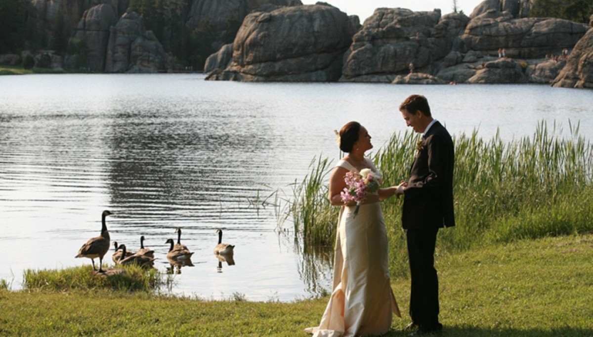 A wedding at the Lakeside Lawn.