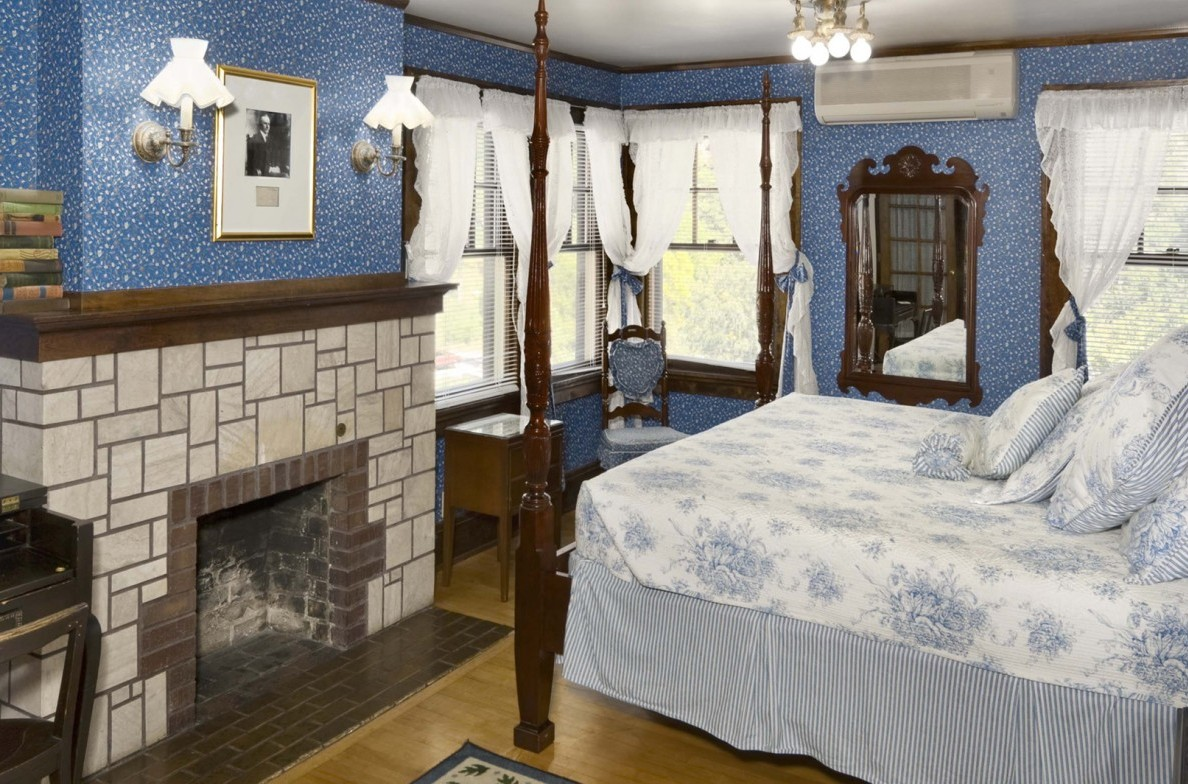 Historical Rooms 187 Accommodations 187 State Game Lodge