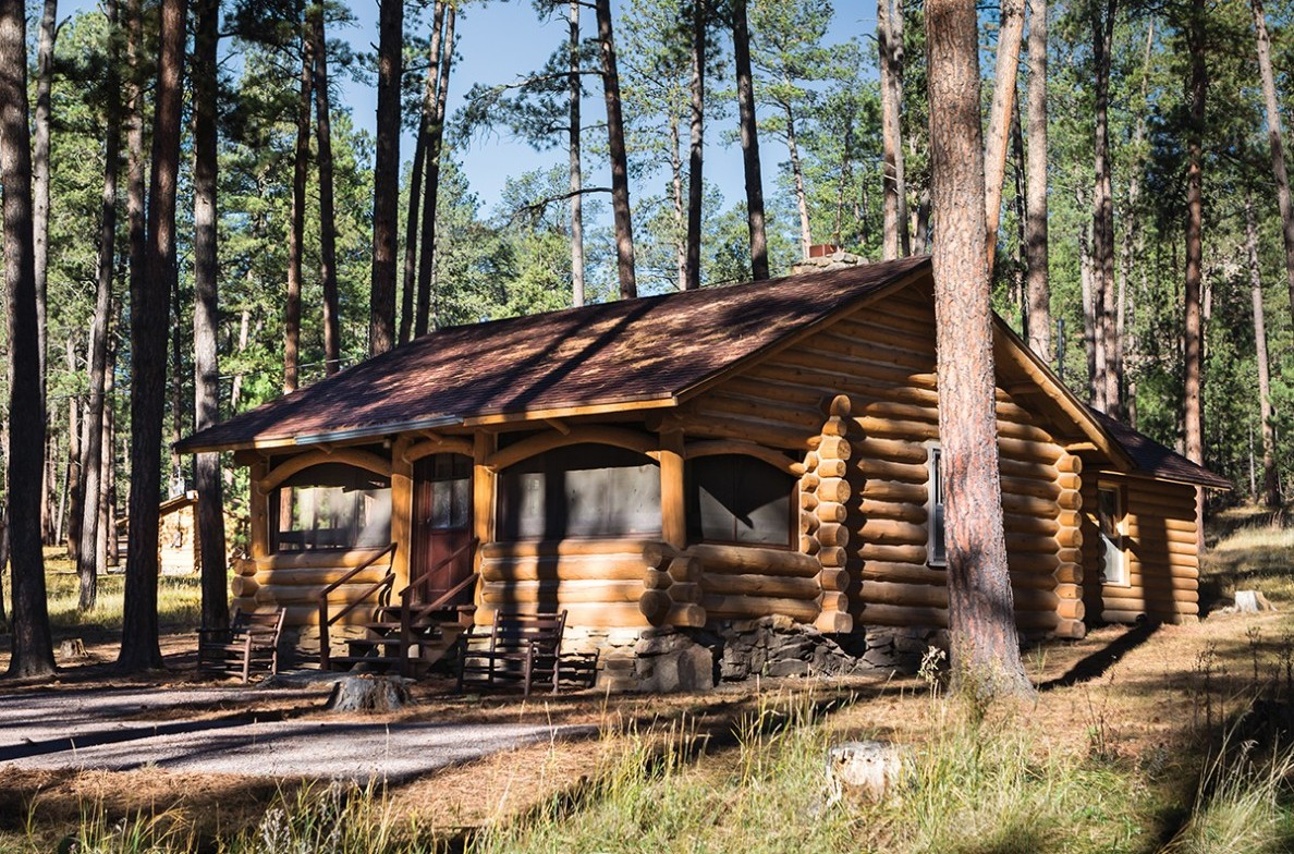 Commissioner 39 s cabin specialty cabins lodges cabins for Cabins near custer sd